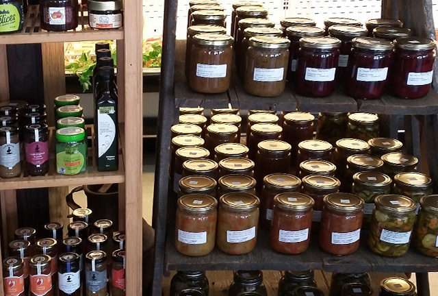 Grocery stores and markets in the Coaticook Region